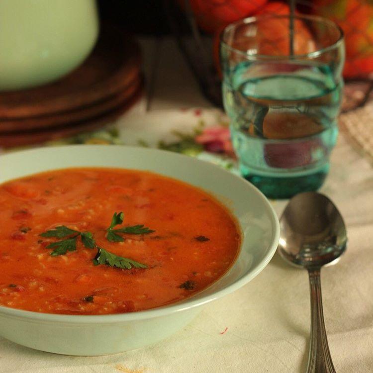 Una rica y calentita Sopa de tomate al estilo polacohellip